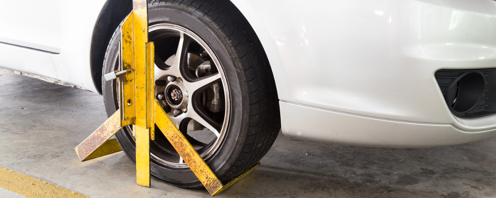 Front Wheel Clamped for Illegal Parking