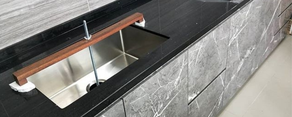 Leakproof Aura SInk and Aura Stone Mezza Star quartz countertop