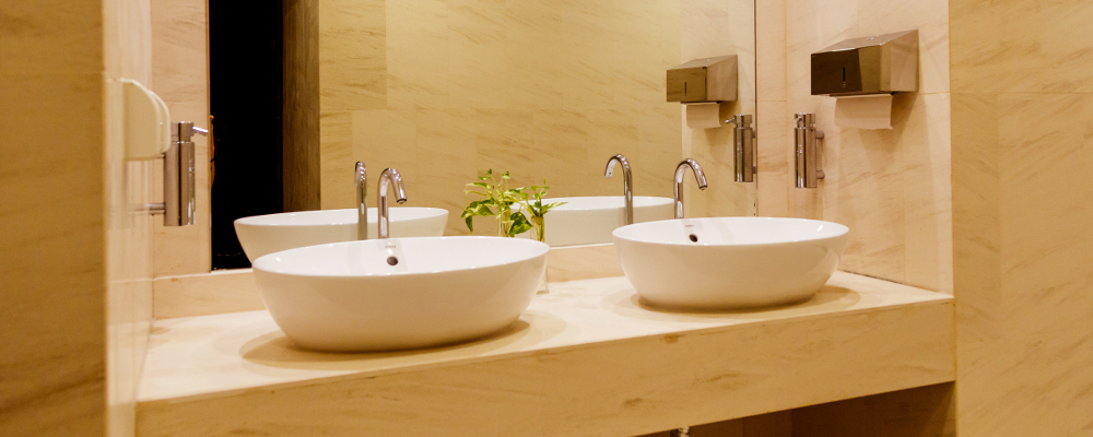 Popular hotel bathroom with quartz bathroom vanity countertop and walls