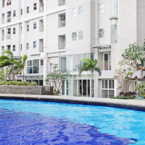 Condo with swimming pool facilities