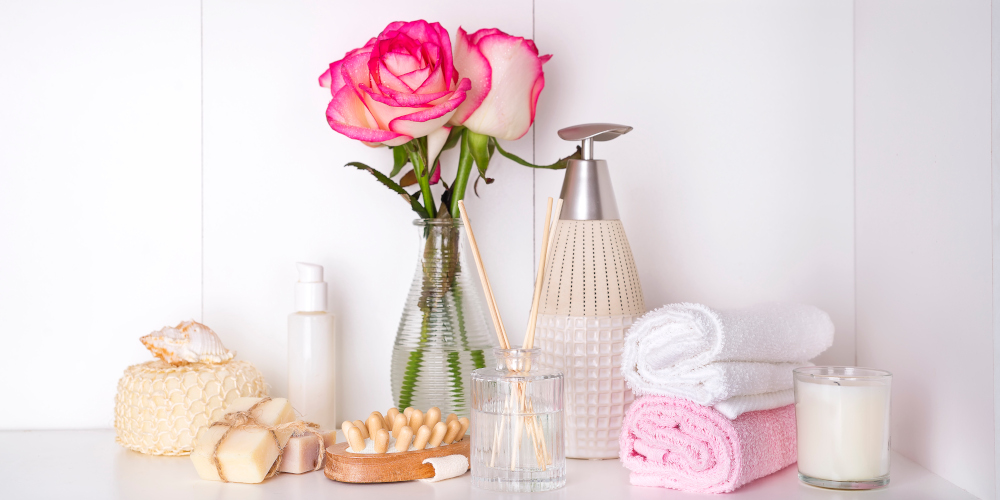 Floral aromatherapy scents to freshen up the bathroom for guests