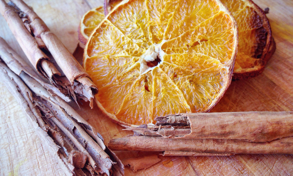 Homemade Potpourri with Dried Oranges and Cinnamon